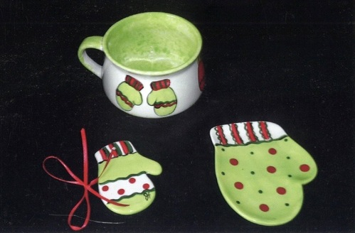 Heidel's Handpainted Ceramic Mug and Mitten Shaped Spoon Rests with Mitten Theme